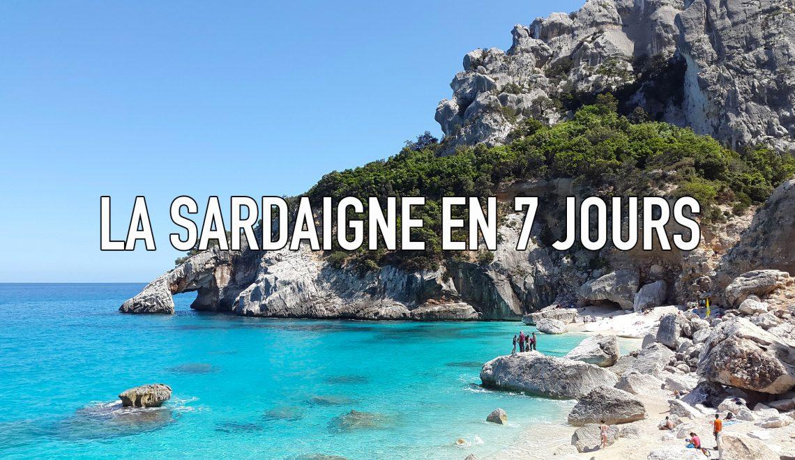 Plage d'eau turquoise en Sardaigne