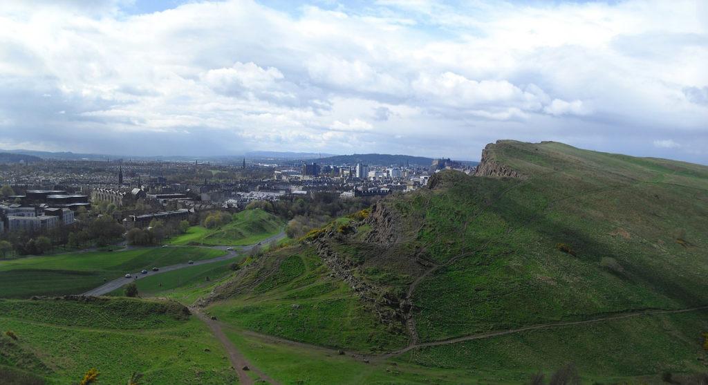 Vue panoramique sur Edimbourg depuis Arthur's Seat